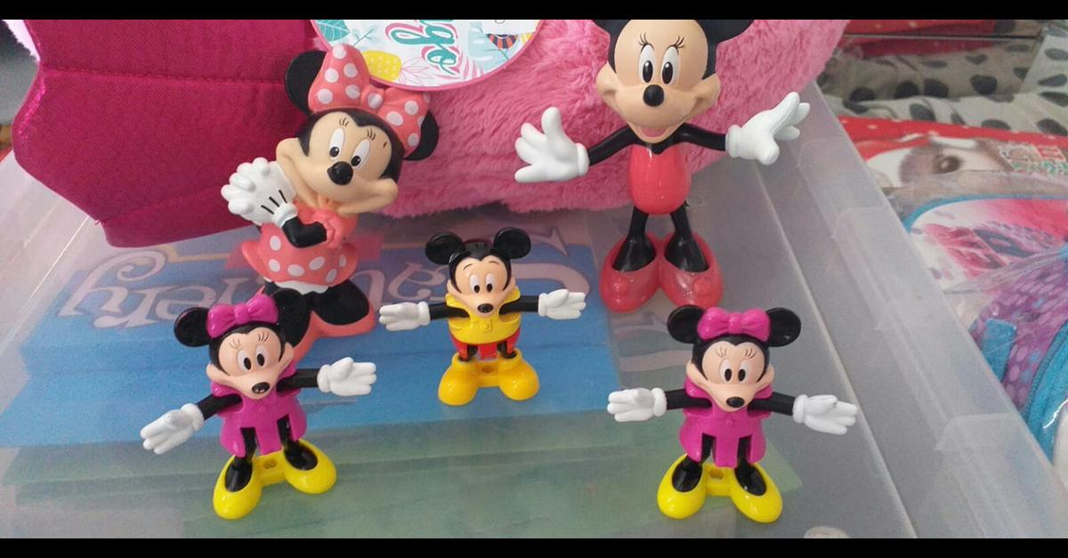 Disney Minnie and Mickey mouse figures