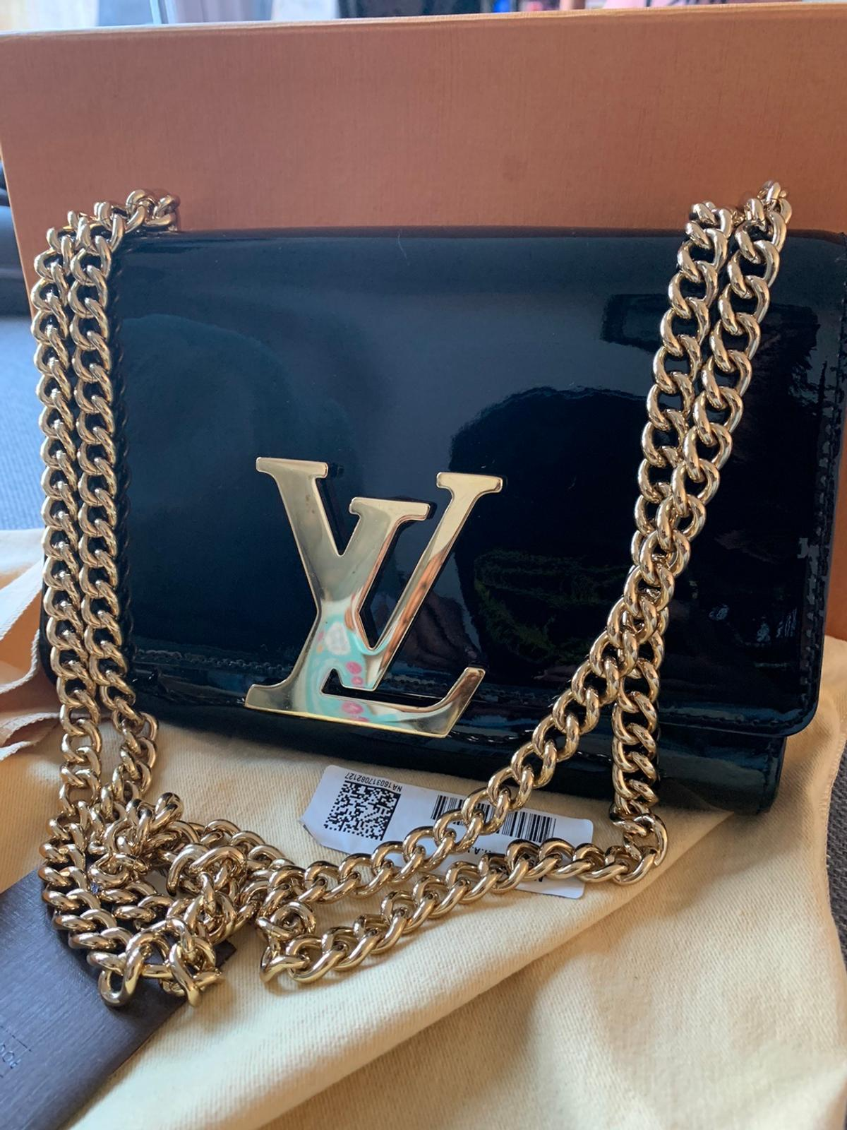 Used Louis Vuitton bag. In great condition. Can't prove authenticity as I don't have receipt. Seller didn't send one. Batch no is inside. Kept in box when not in used and well looked after.