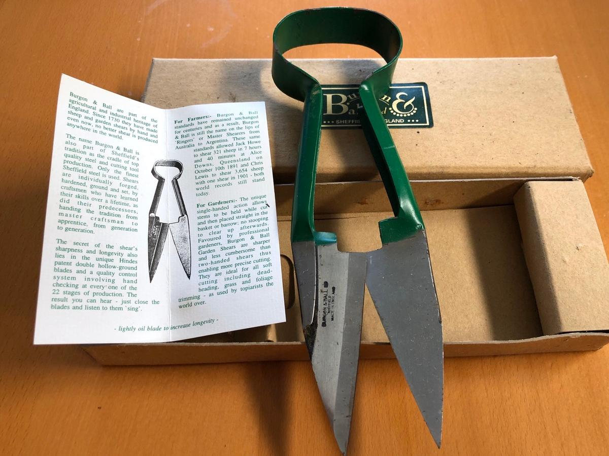 In really great condition are these razor sharp gardening shears. Made by Burgon & Ball ltd. In their original box with sale card and used twice.  These are perfect for any professional gardener. National trust sell these for £30.  Collection from Orpington Br68aq area. Over 18s only.