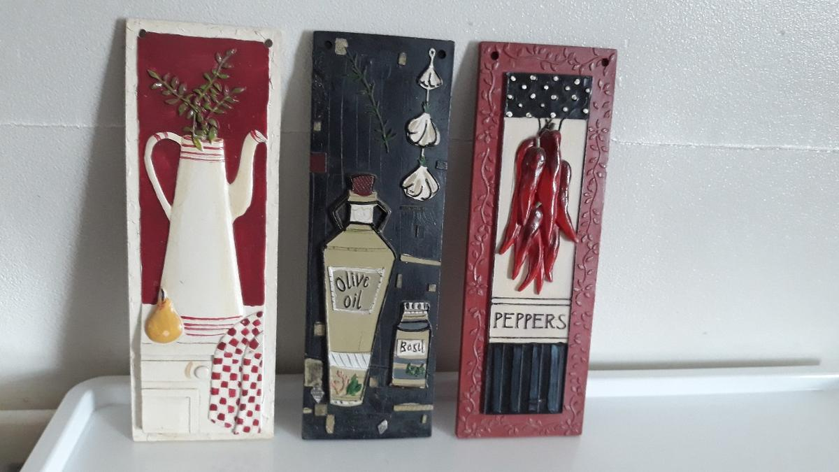 Ideal for kitchen decorations can be hanged together or separately