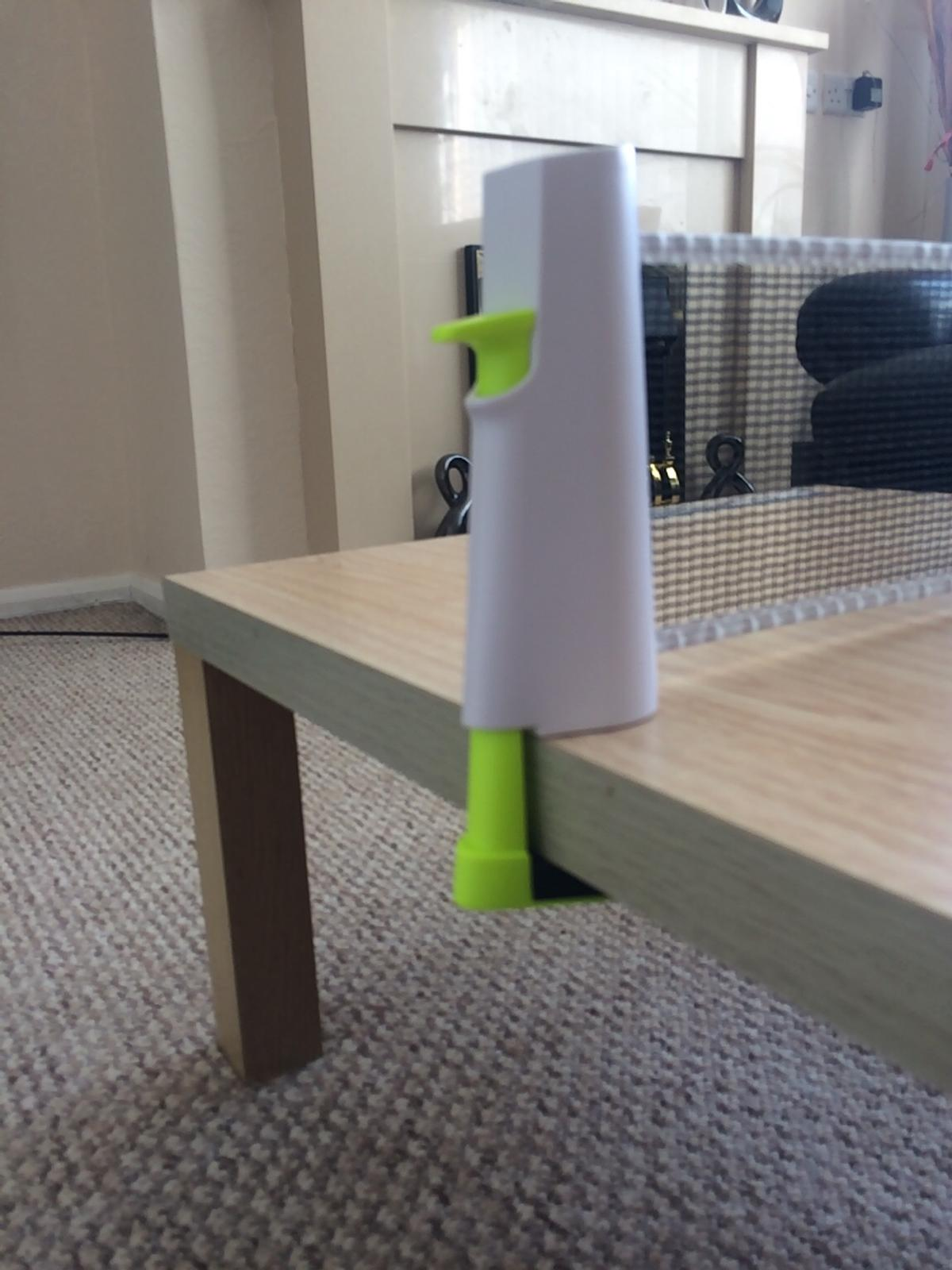 As new artengo table tennis net 200cm long depth of ends for table depths 9cm A good & sturdy piece of kit