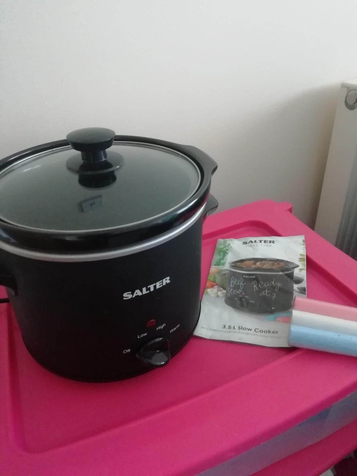 """*only used once*  immaculate condition. 3.5L slow cooker by SALTER. The Matt finish allows the outside to be written in in chalk (provided). Comes with instruction manual. I only ever used it once as I prefer to cook """"in the moment"""" and not leave something cooking all day. Worked brilliantly for the time I did use it!  Pet, smoke and virus free home! Selling due to"""