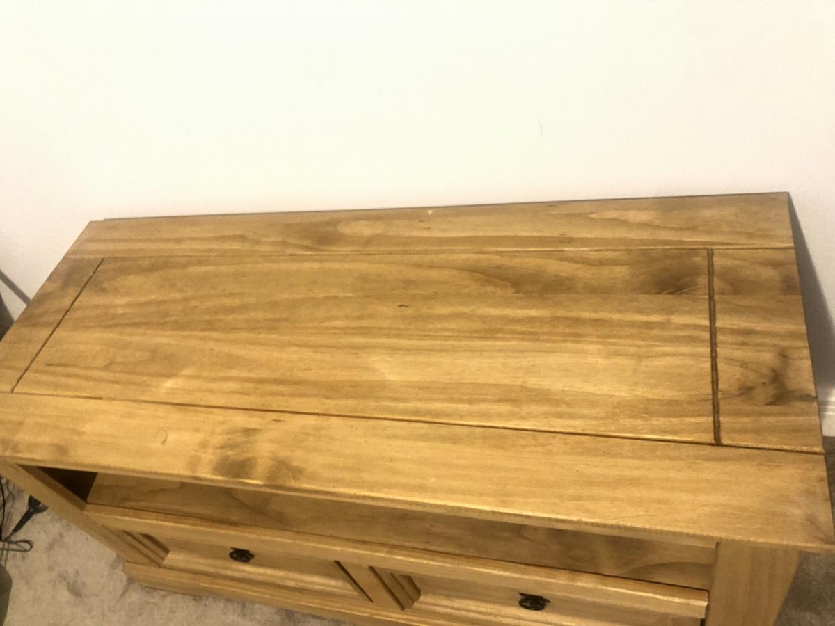 Wood tv table , used , good condition, no Return