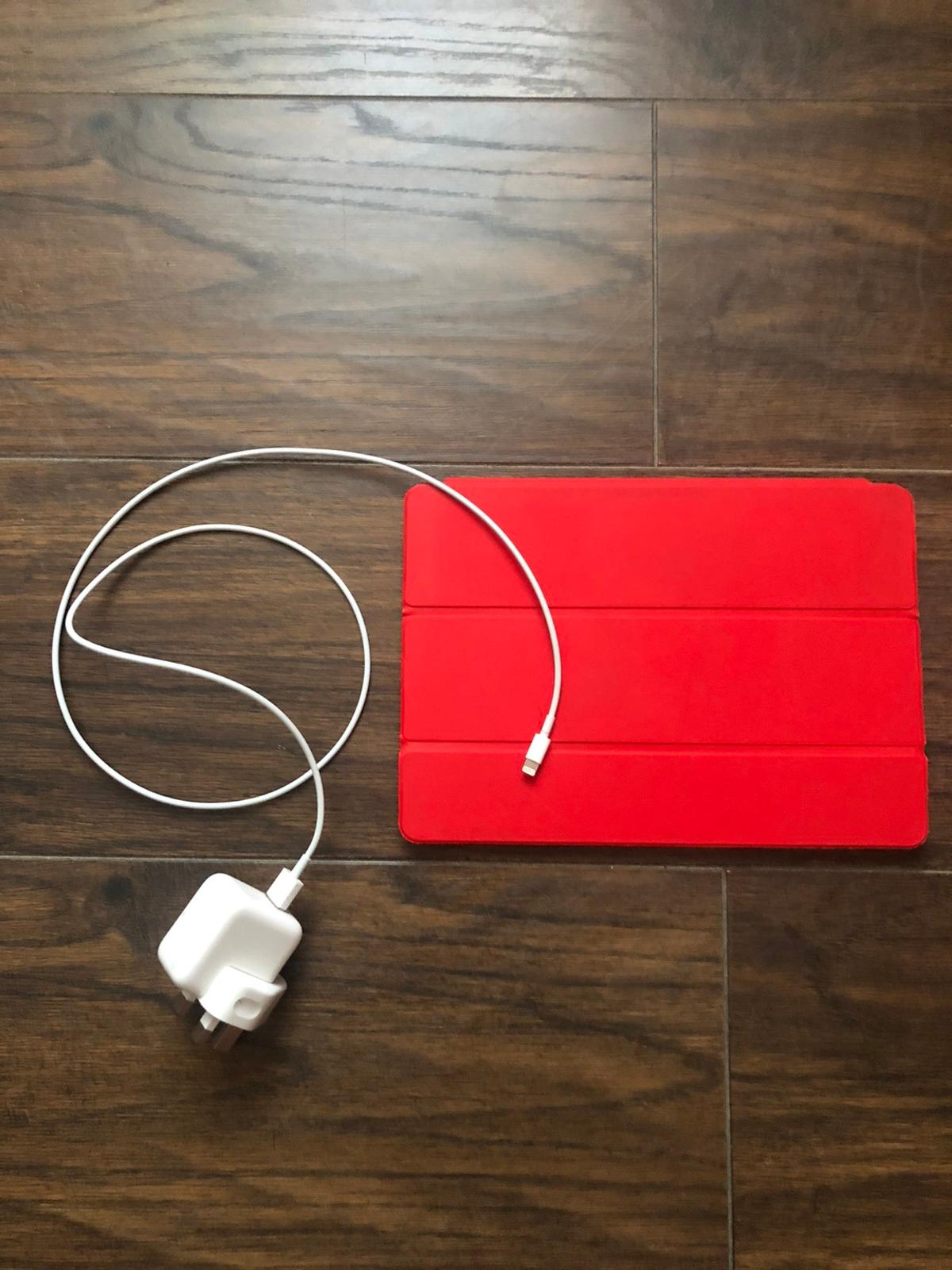 9.7-inch Smart Cover RED USB Power Adapter Lightning to USB Cable