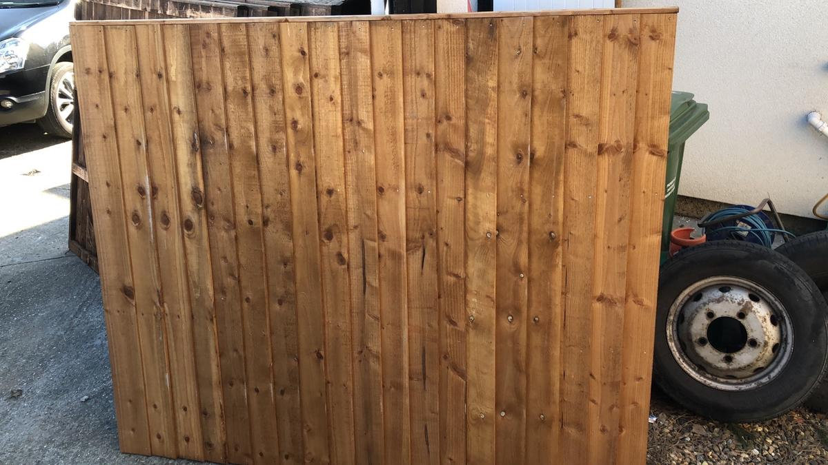 Good Neighbor Milford Cedar Fence 6ft H X 8ft Wide Pre Built Finished On Both Sides Fence With Lattice Top Cedar Fence Wood Fence Design