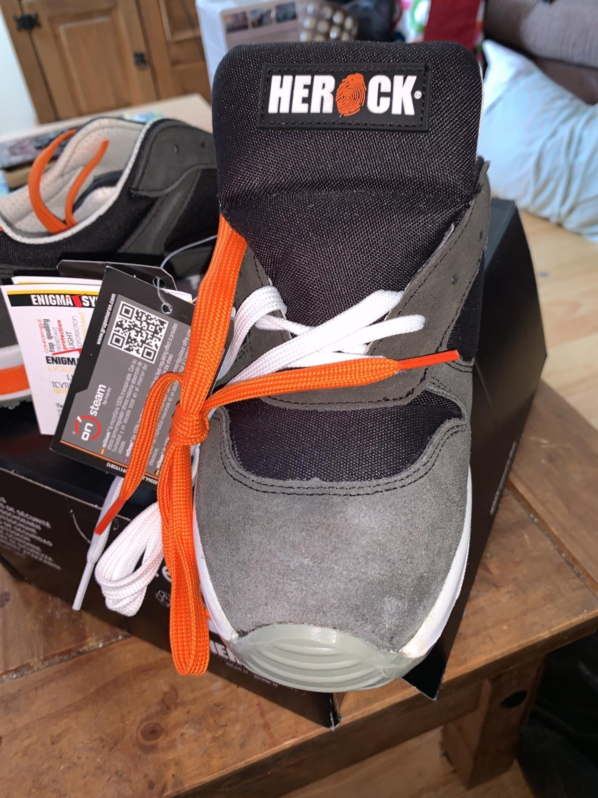 MENS SAFETY TRAINERS SIZE 9 BY HEROCK  CAN DELIVER LOCALLY