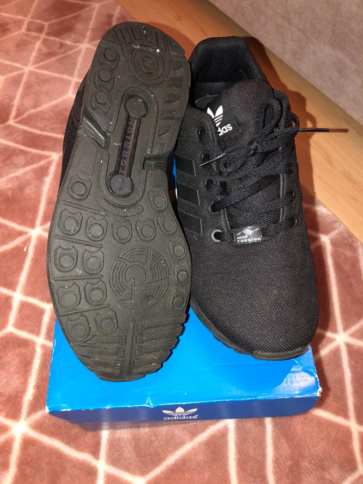 Worn probably once or twice if that excellent condition.box also available sized 5.5