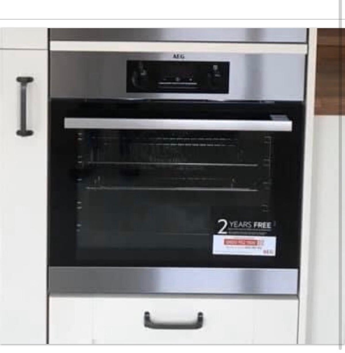 Selling a BRAND NEW AEG oven NOT BEEN USED had it for less than 6 months Collection only WA5 Model identification: BEB231011M Volume: 721 Mass: 27.6kg
