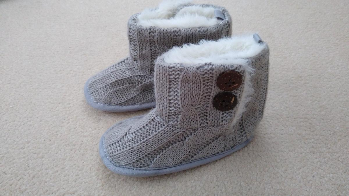 Fur lined Baby Boots! Brand New not been Worn! 9-12 months