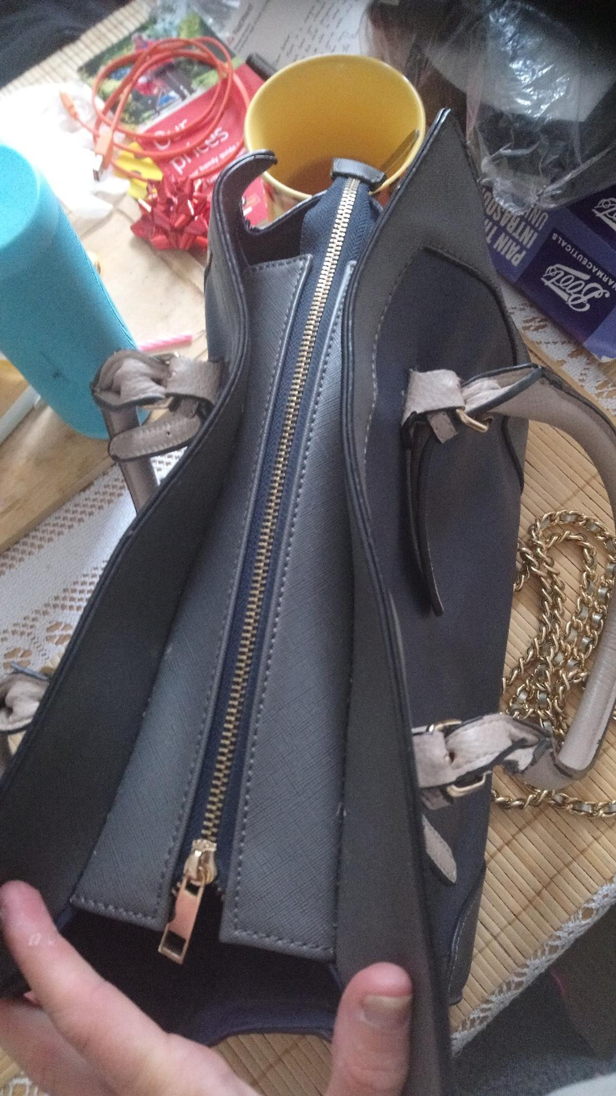 Used few times EXTRA straps More bags avaialbe! Please ask Can post anywhere in Uk