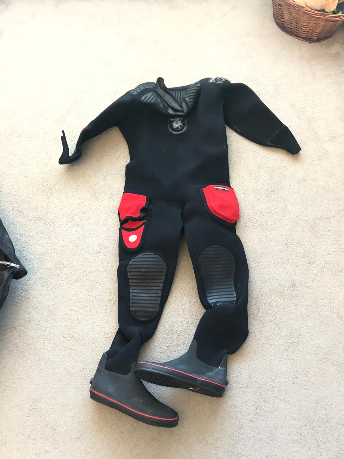 Northern Diver, dry suit only wore 8-10 times, mint condition.