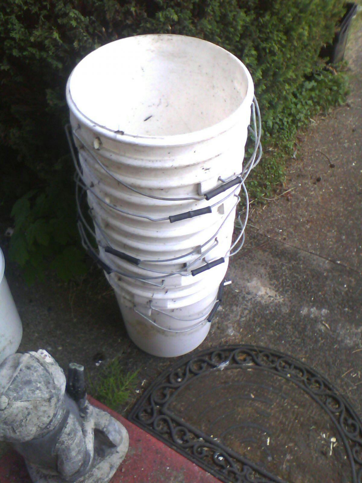 plastic buckets used no lids ok for growing vedg. plastering ect. tel. ,07873476575. collection only ne28 0dy howdon Wallsend. fifty pence each.