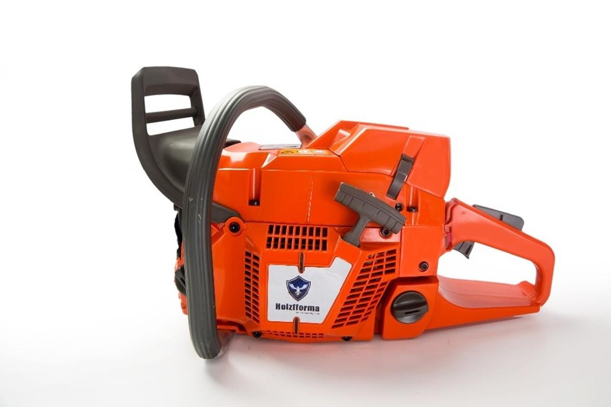 Brand new in box holzfforma 372xp with 20 inc bar and chain. This saw is a clone of the very popular husqvarna 372xp. These saws are made to a very high Standard and have excellent reviews of n YouTube.