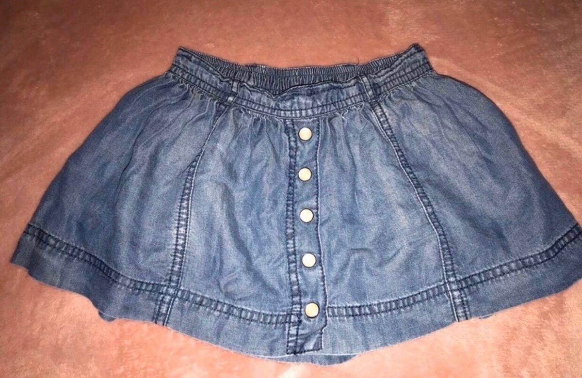Baby Girl Tommy Hilfiger Skirt 18-24 Months  Used condition Rrp £38  Collection only from Belvedere DA17 Available on other sites- no offers thanks