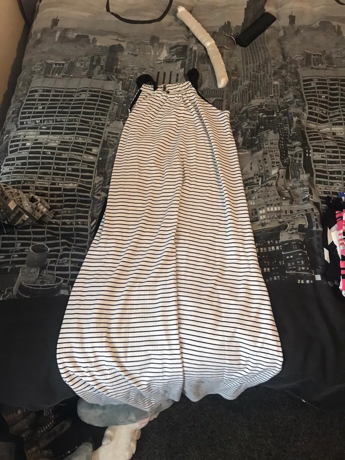 Black and white maxi dress from river island size 11/12 year kids size good condition ONLY FOR COLLECTION