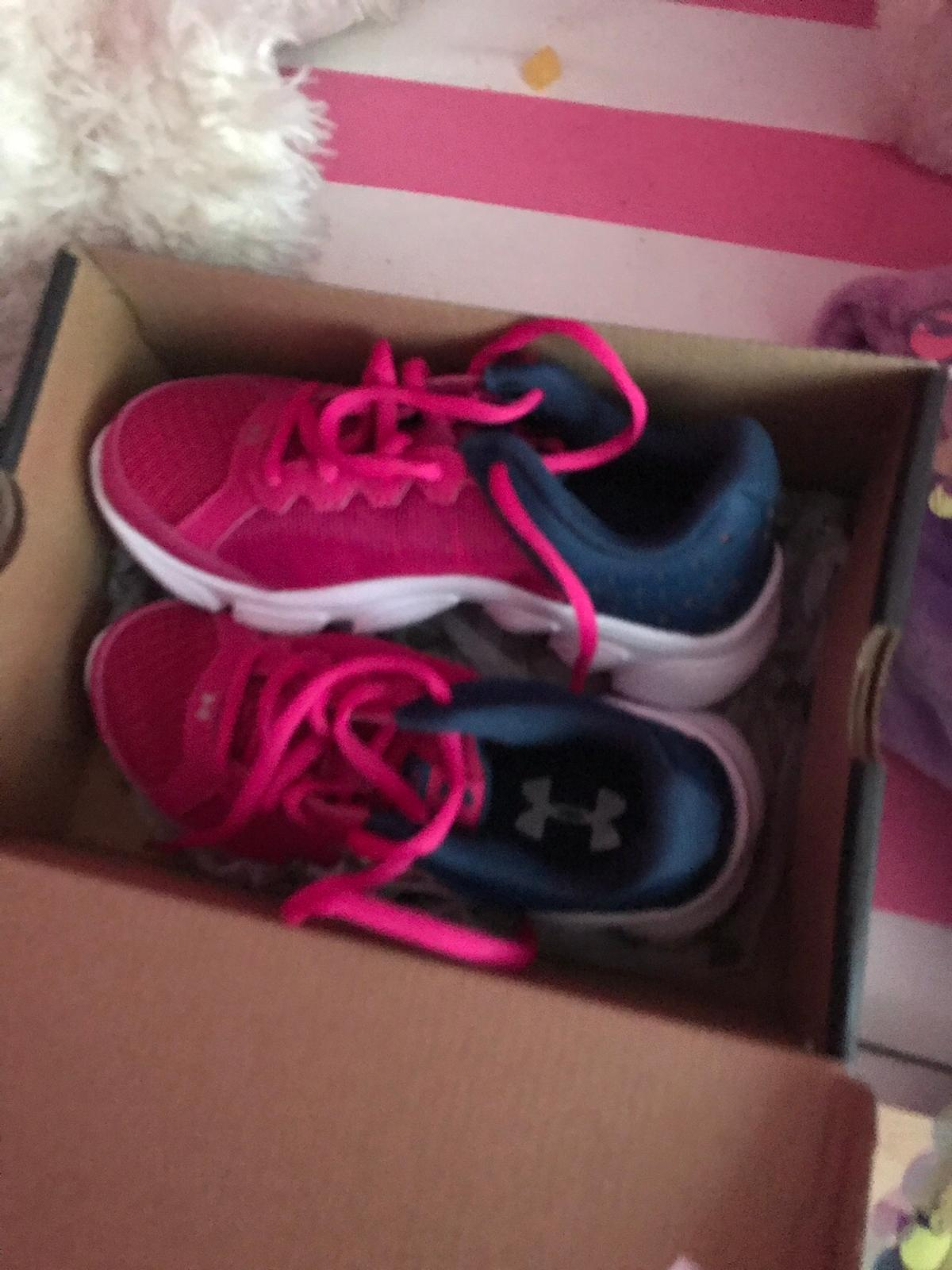 Kids under armour trainers brand new size 12 half