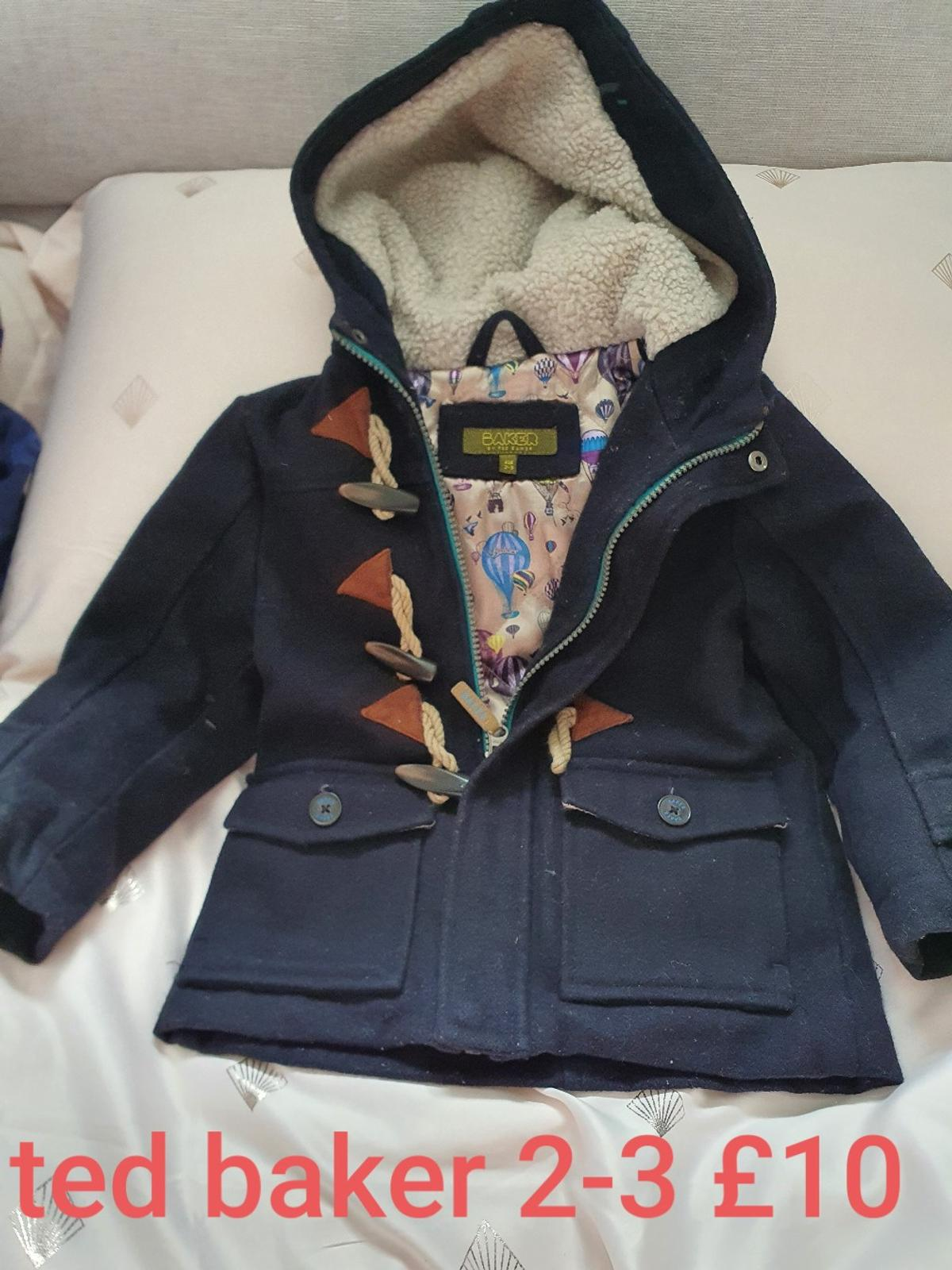 lovely winter coat worn a handful of times from pet and smoke free home collection tanyard Farm social distancing applies