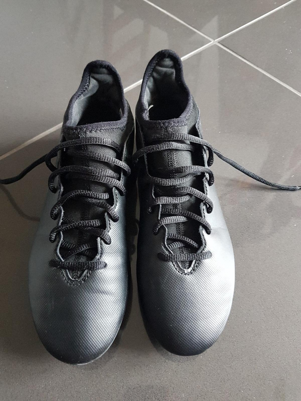 Football boots like new size 5.  Collection from Wixams.