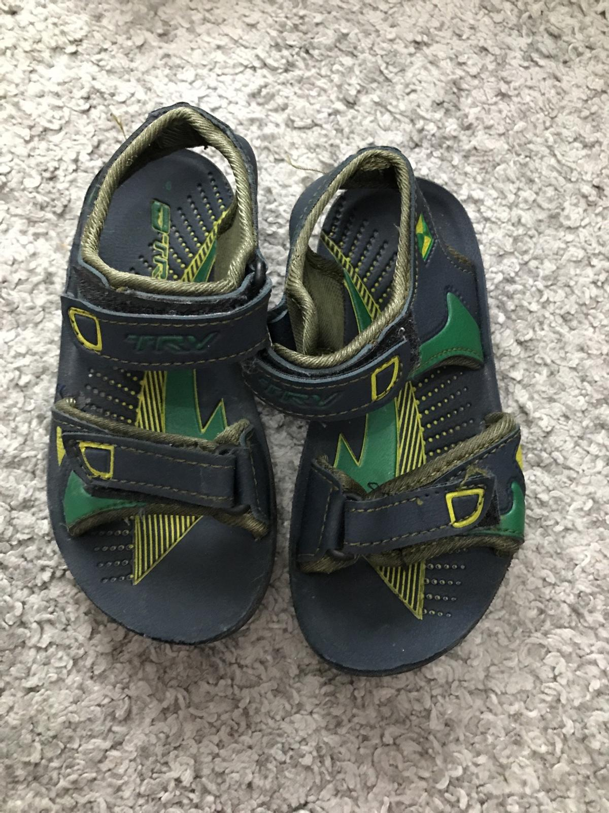 Only used one so fairly new Size 6 kids blue sandals.  Please check page for loads more items for women's men's and kids. No delivery. No more pictures items are sold as seen and are in a good second hand quality.