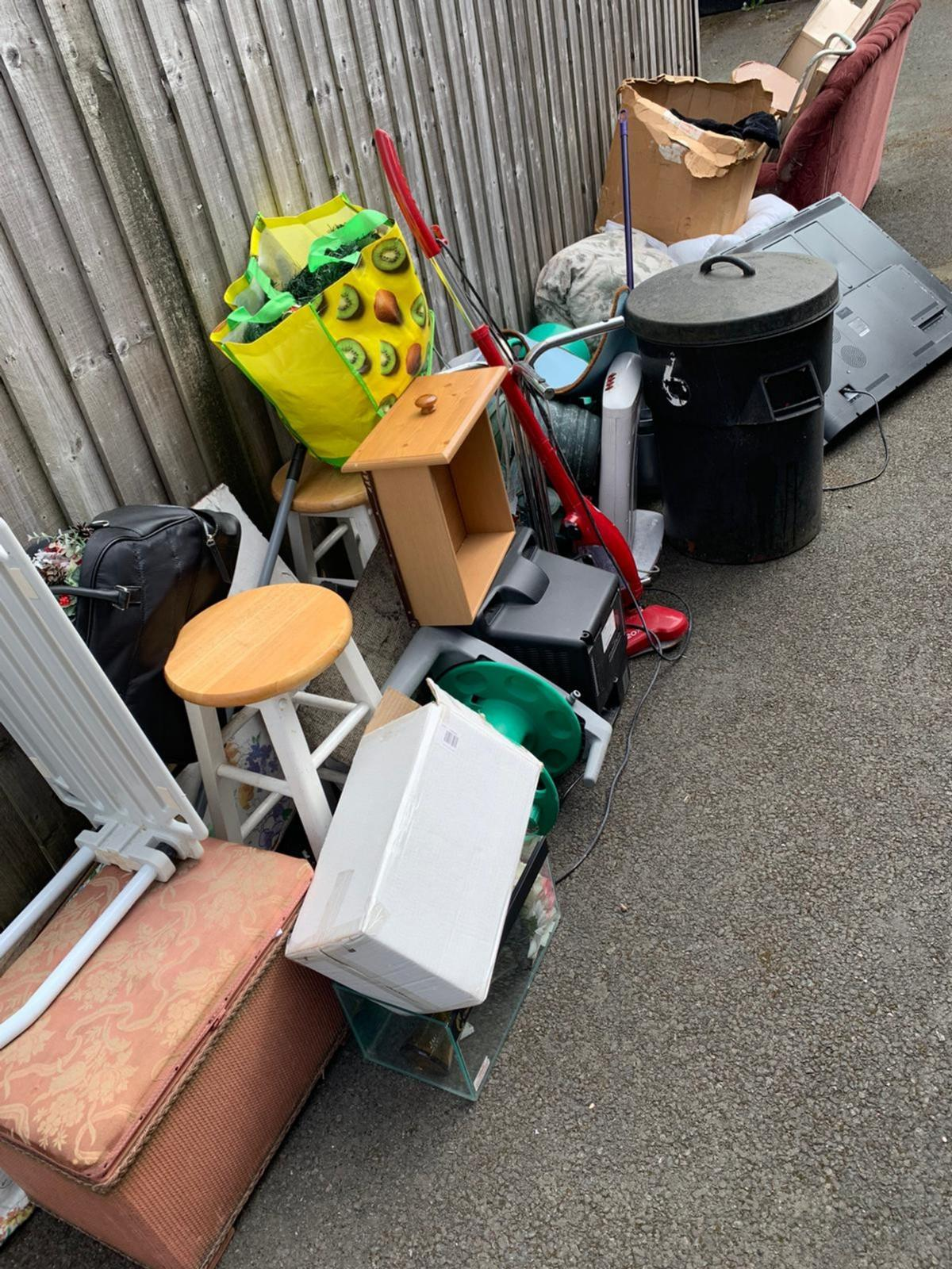 Rubbish Removal call or whatts app photos to 07922308675 cheap prices free quotes prices start from 15 working thru this cornovirus STAY SAFE