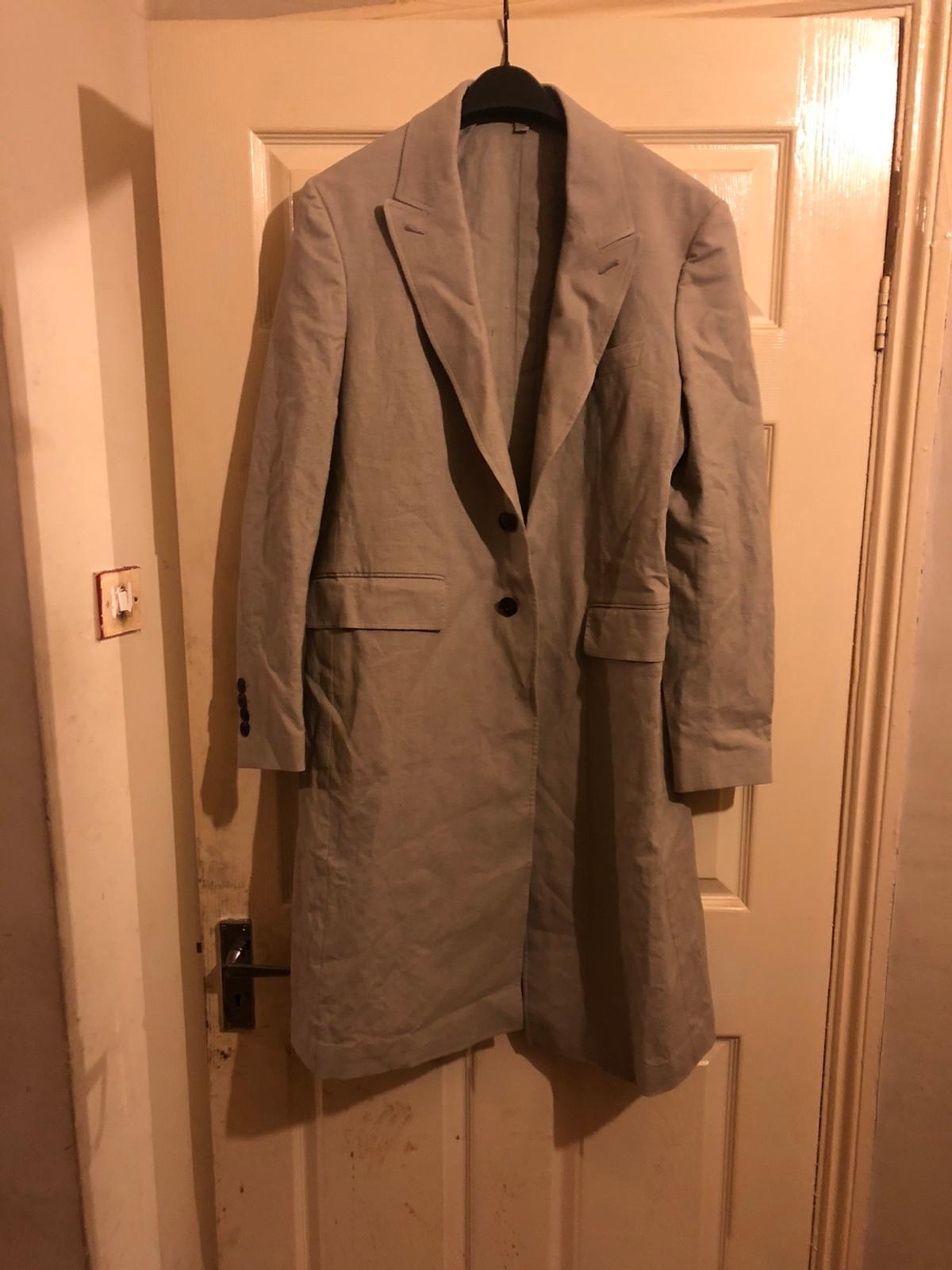 Men's Burberry coat size 50R in really good condition. £50ono collection from Battersea