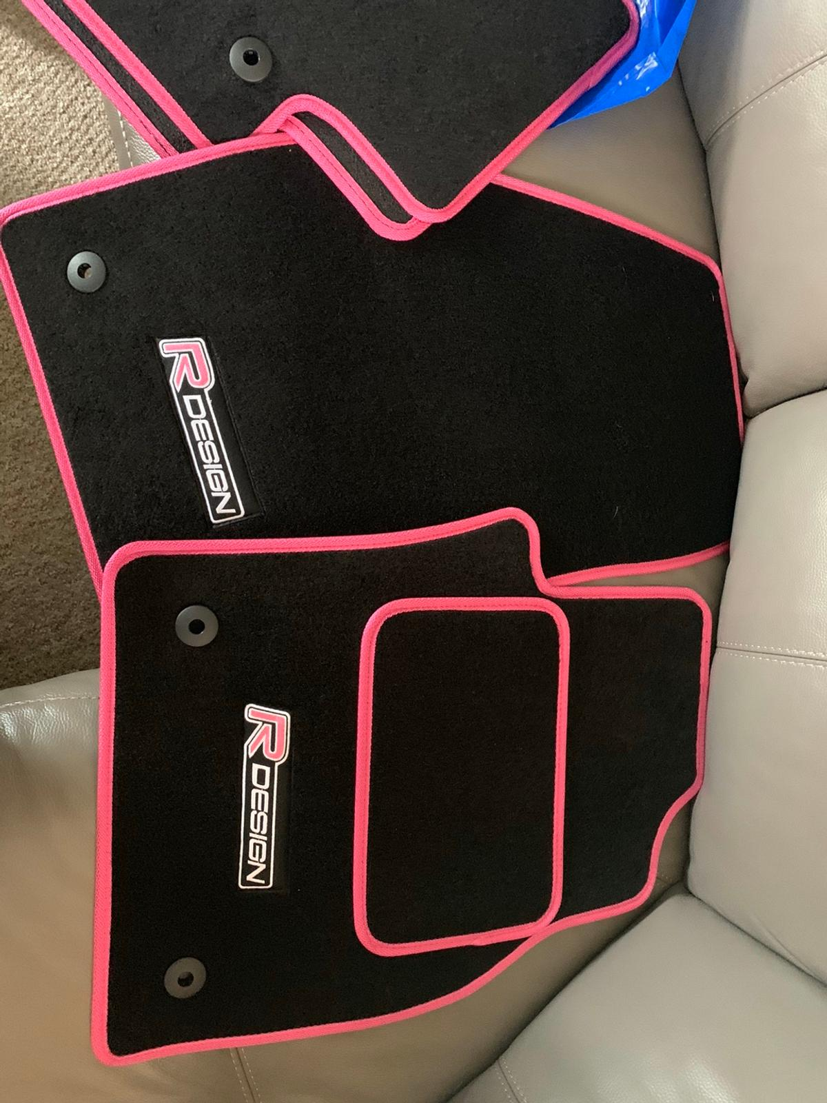 Mats I had made for my auto c30 but only in the car a day before I sold it and bought same ones for my xc60, will fit automatic or manual