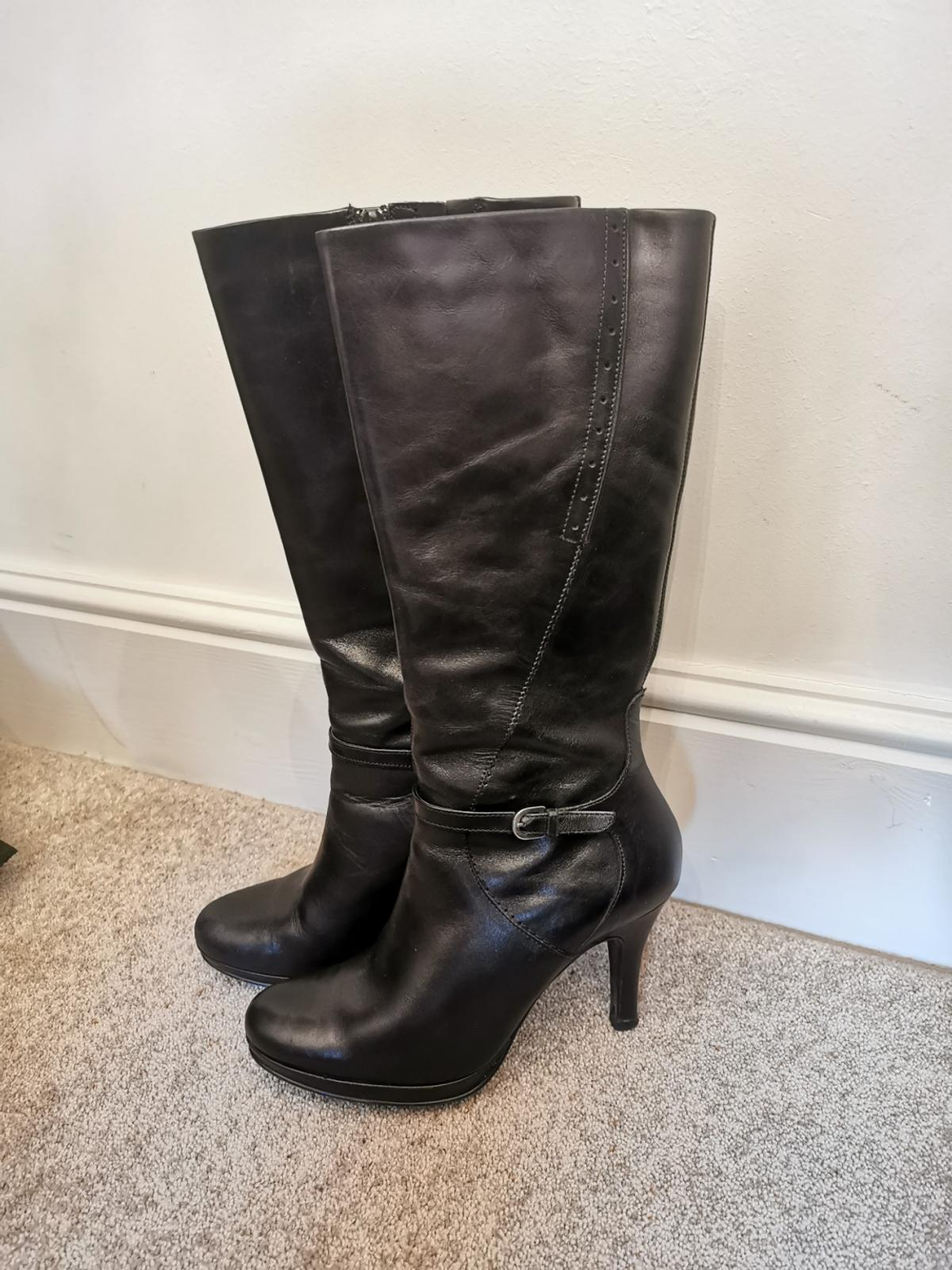 Real leather. Fab condition. NO OFFERS