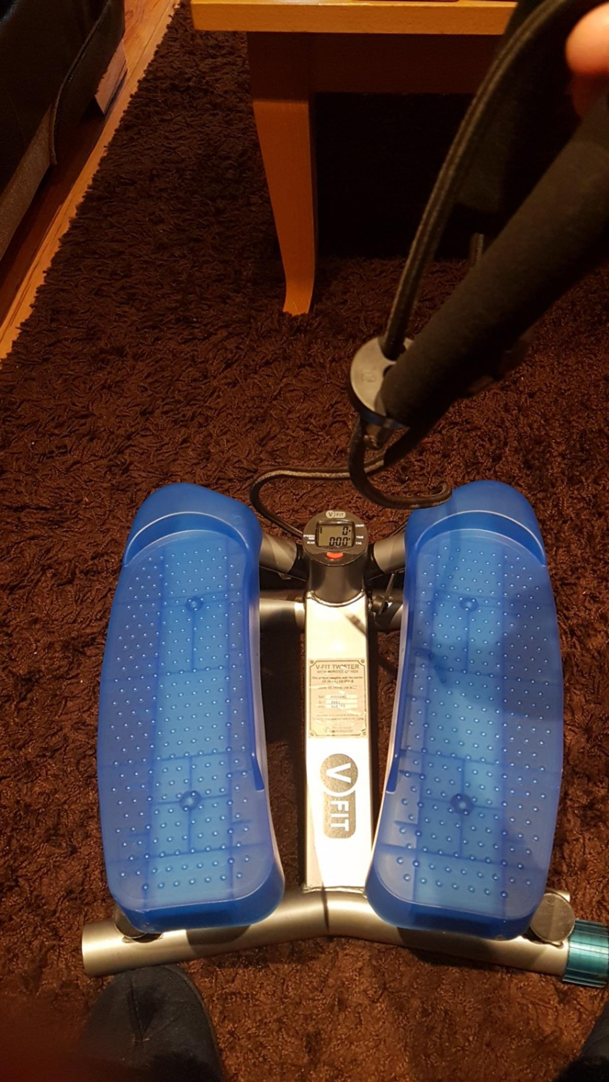 V Fit Twisted with bungee cords Has a timer in good condition