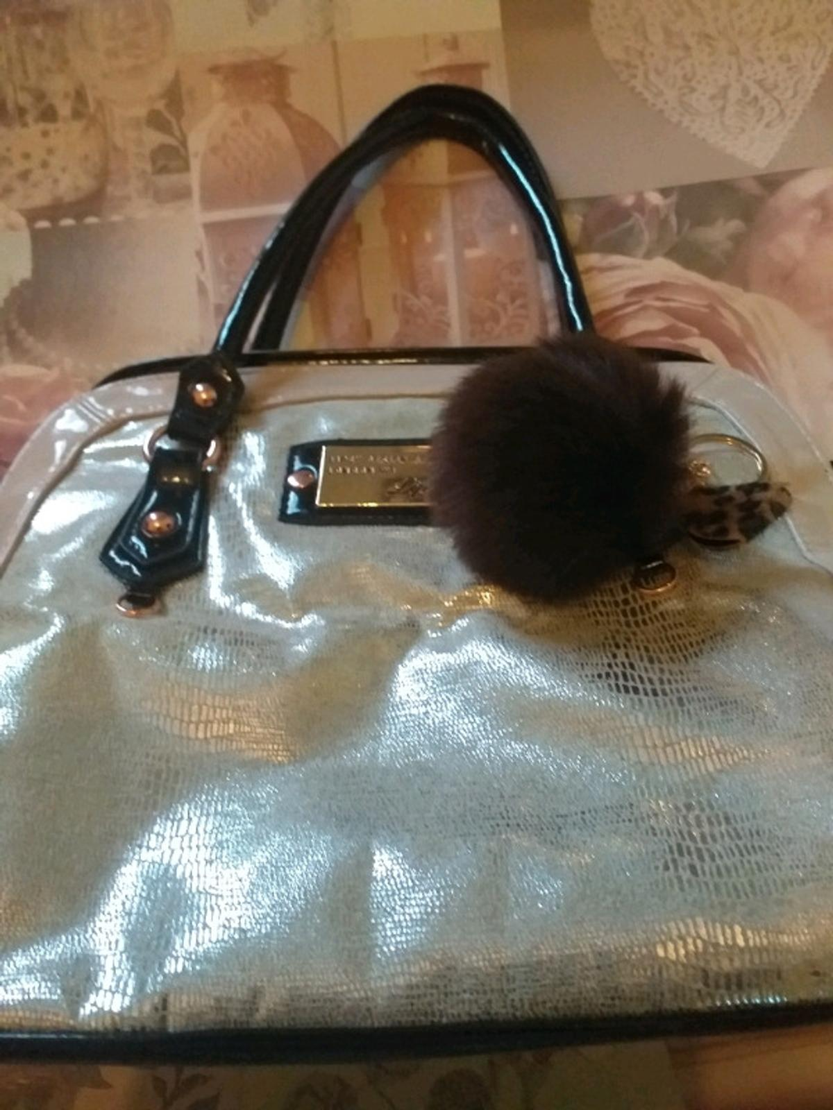 Lipsy bag like new