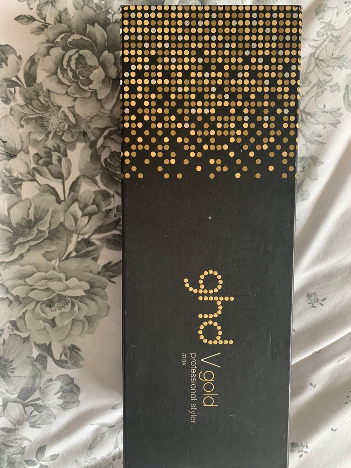 Black & Gold GHD max styler straighteners. Wide design for long and thicker hair. Used for under 1 year . No problems with the straightener . Fully working order. Comes in original box as seen. Postage extra . Collection Dagenham East. Open to sensible offers .