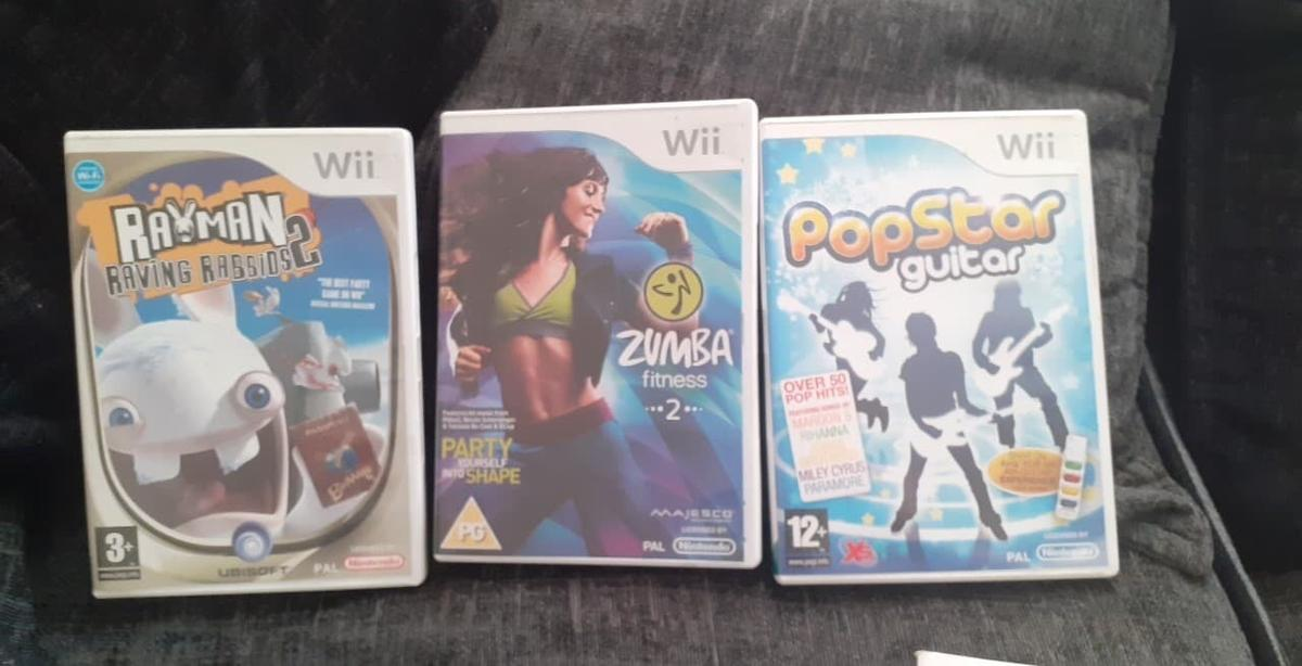 Working order bought it off Facebook later week but just bought a wii u and I can play wii games on that now so I don't need this comes with all wires and remote part from nun chuck all so comes with wii game and 6-7 other games Cash on delivery or pay with PayPal