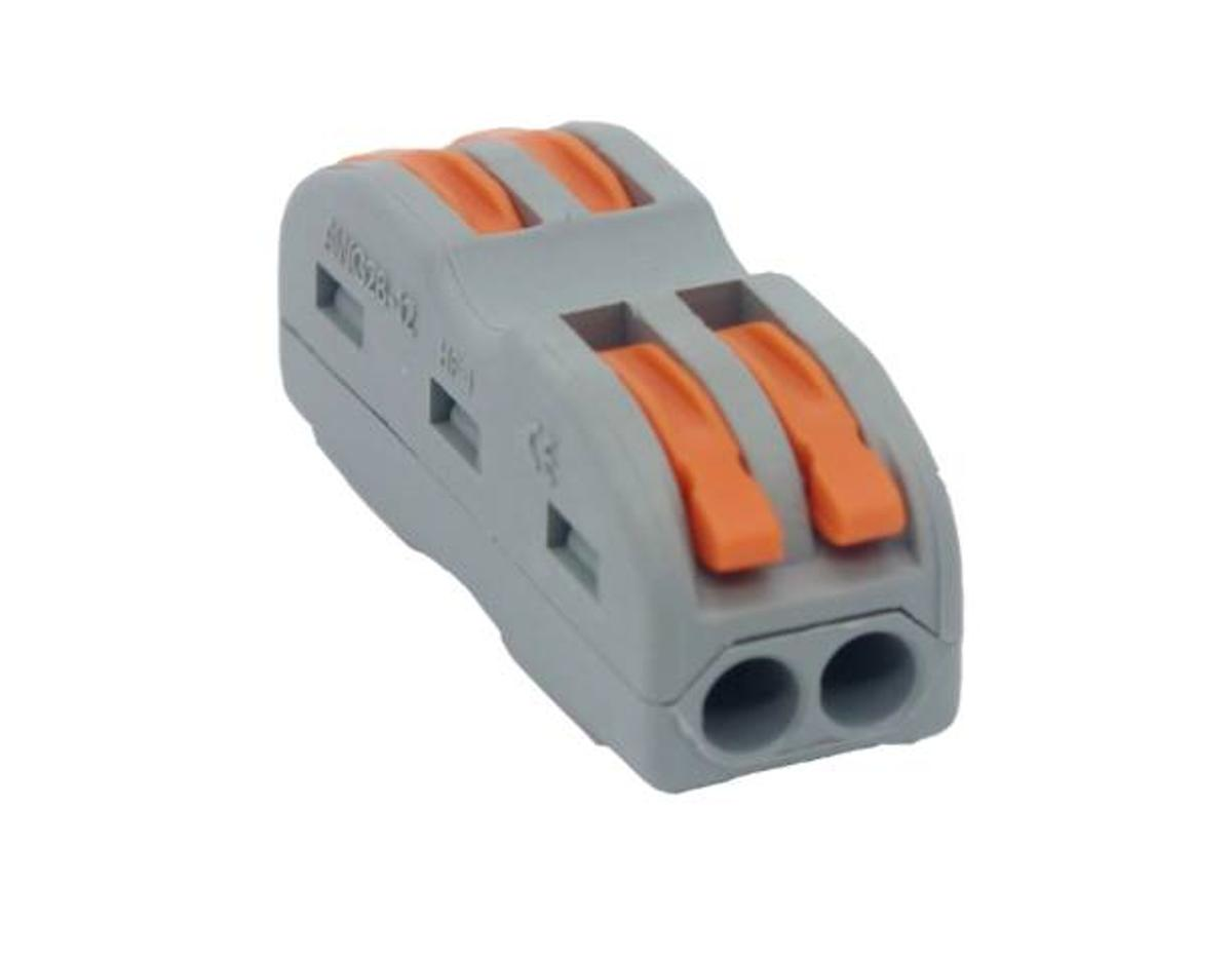 In Line Spring Lever Connectors 2 Pole 32A (2 Pole & 3 Pole In Stock) Excellent quality, fully guaranteed.  Pack Sizes (Enquire for larger size packs)  Lever Colour variations may apply.  2 Pole Pack of 10 @ £5.00 / Pack of 30 @ £12.00 3 Pole Pack of 10 @ £6.00 / Pack of 30 @ £15.00 Specification: Supports Cables: 0.08 - 4mm2 Amp Rating: 32A Re-usable Connectors  Payment via Paypal, BACS, Receipt for Purchase. Post anywhere in UK at £3.10 2nd Class post up to 2KG.