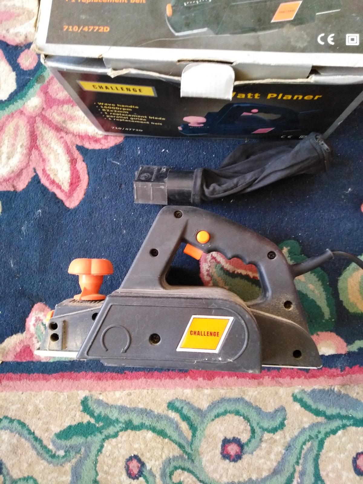 Challenge 600w electric planer used complete with box and dust bag