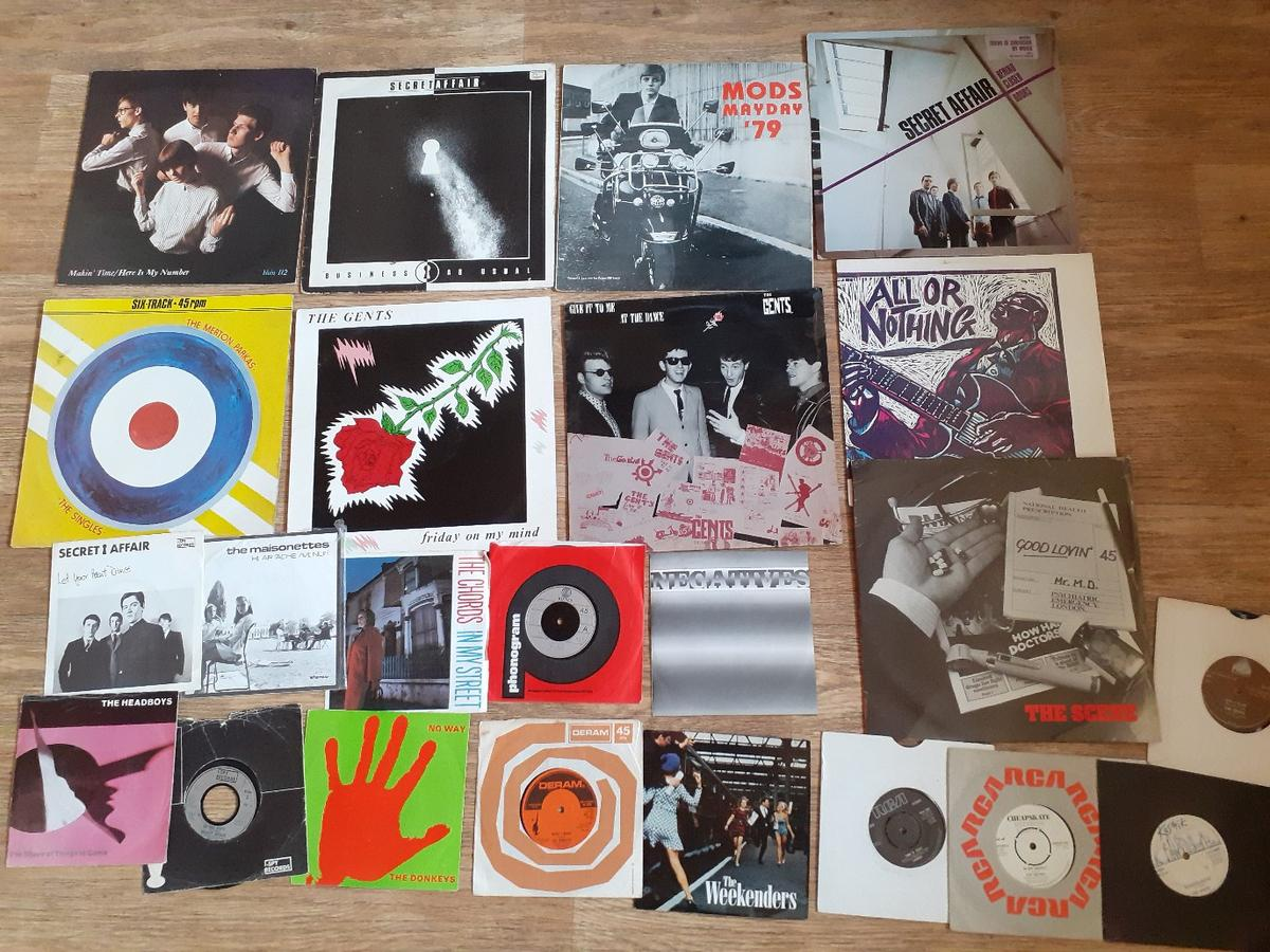 collection of mod vinyl in good to ex condition sorry will not split