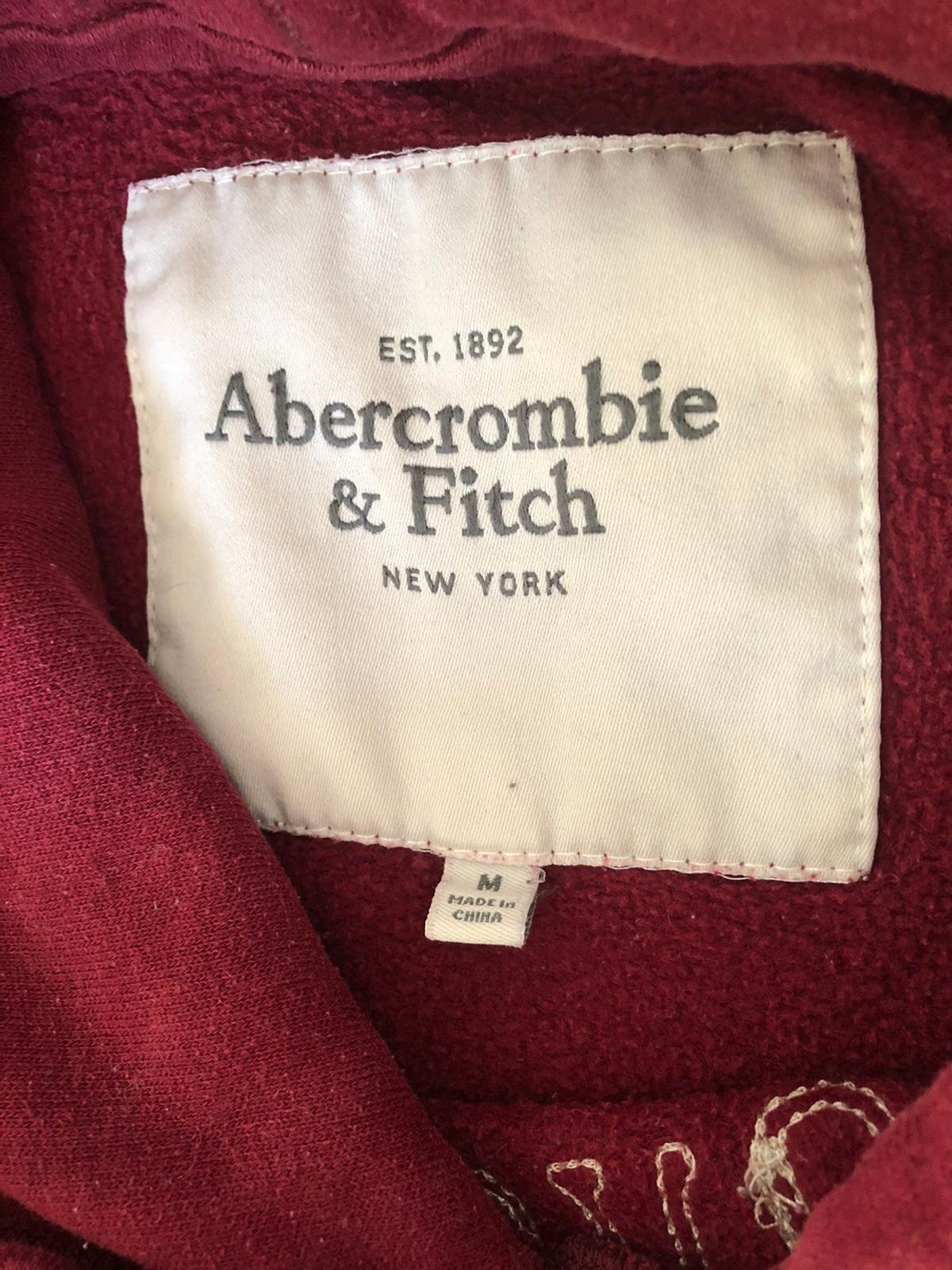 Burgundy Abercrombie & Fitch hoodie Size Medium Good condition No stains or rips