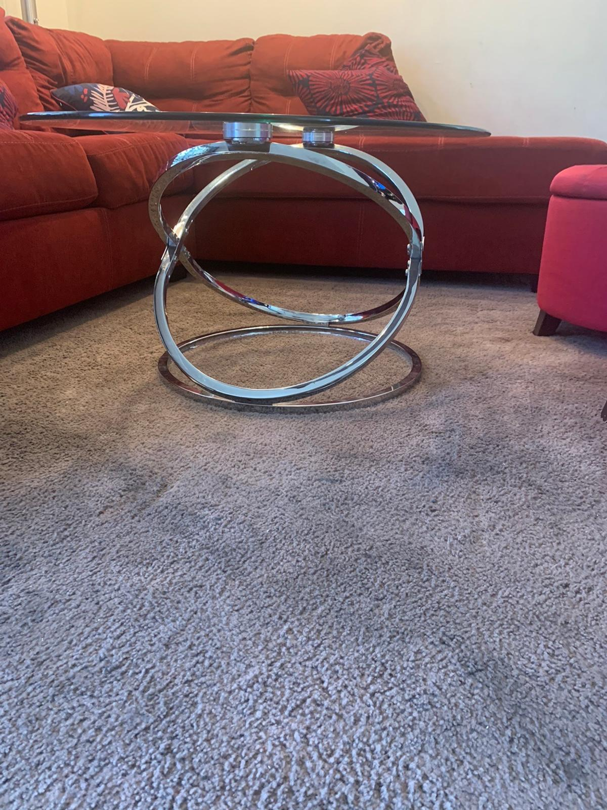 """COFFEE TABLE S two for the same price BUY ONE GET SECOND ONE FREEEEEE ITS GENTLE USED IN EXCELLENT CONDITION I AM AVAILABLE ANYTIME DELIVERY AVAILABLE  Size big table 48"""" L  28"""" w  19 """" T  Small table. 26"""" diameter  22 """" T"""