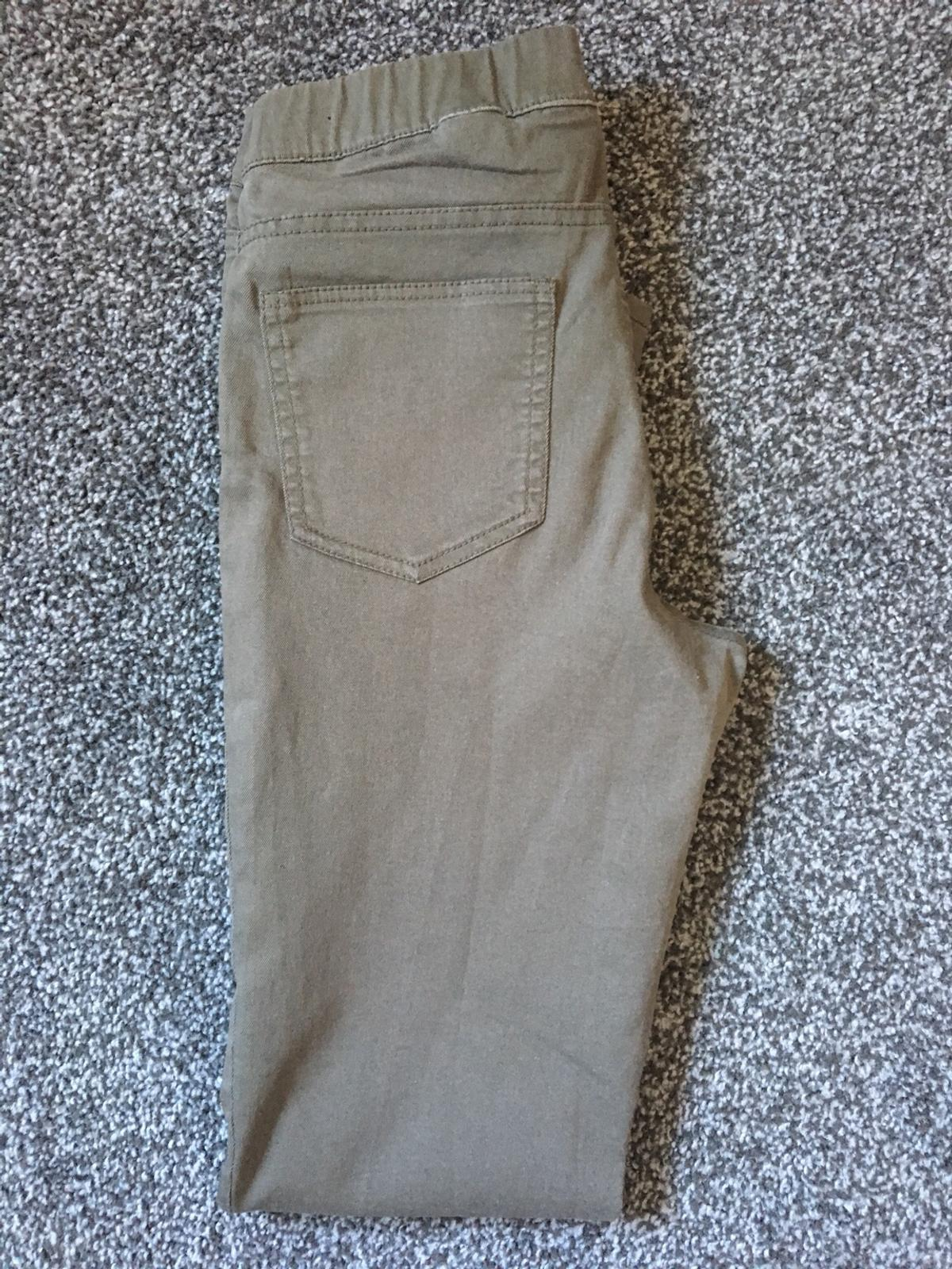 H&M Ladies Jeggings/Trousers. Beige/Khaki Colour. Good condition. Size EUR 36, Size 10. Royal Mail delivery only or collection