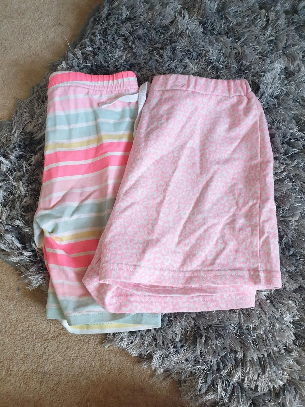 3x tops, 2x shorts and 1x skirt all age 8-9.