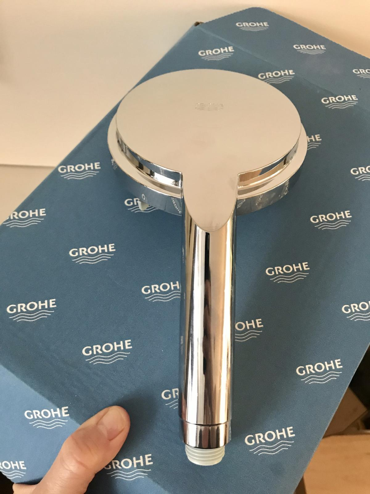 GROHE Rainshower Cosmopolitan 130mm dia handset - BRAND NEW - RRP £65    130mm diameter 3 settings including Pure, Rain and Jet Made in Germany Model: 28755000  Available to collect from N1 2LW. We're having a little online 'car boot sale' Feel free to check out our other listings!