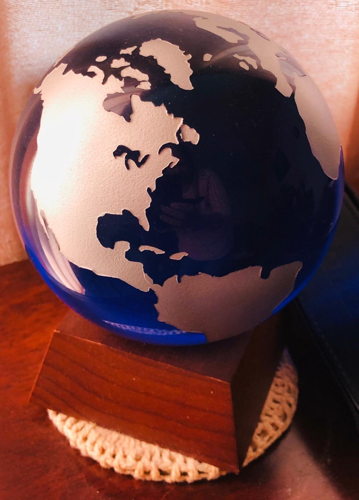 Blue Glass World Globe. Immaculate condition. Clearing bungalow for relative. NEED GONE. Collection only. Open to reasonable offers no time wasters!