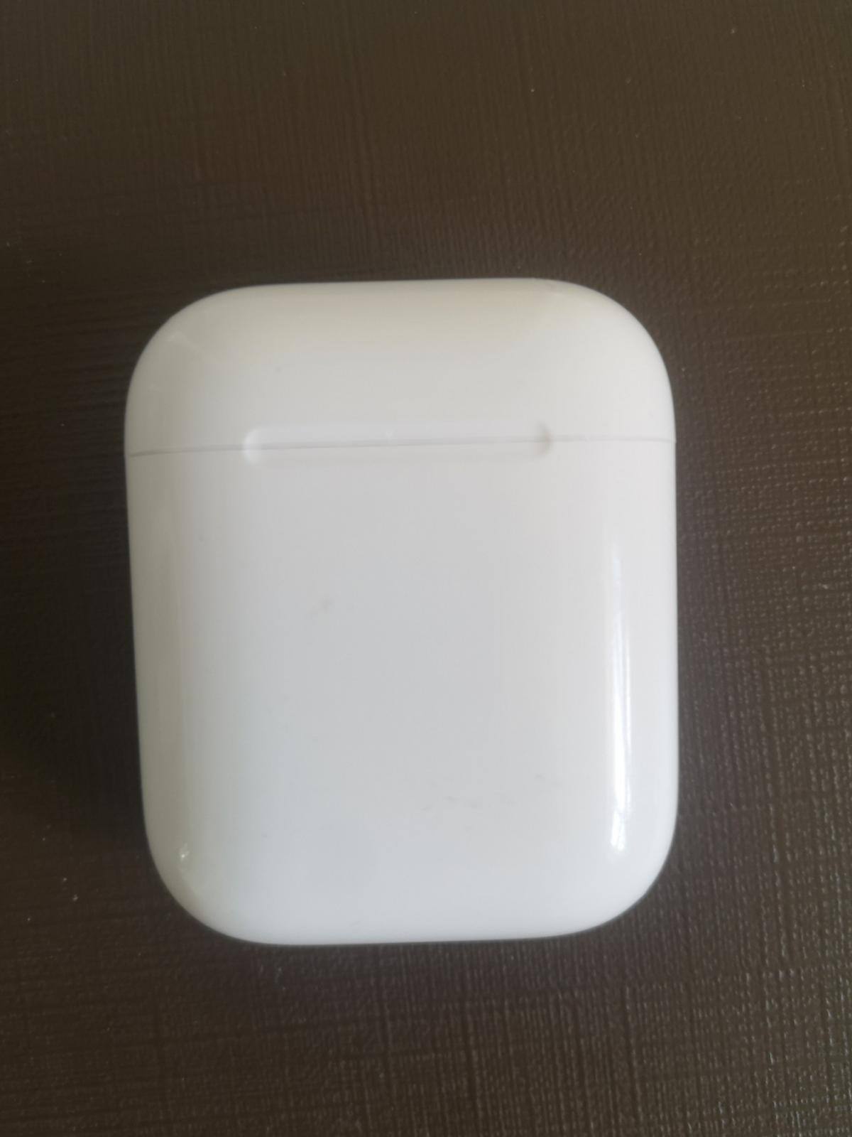 1st Generation Airpods Case Miner scuffing, over all conditions good  Just the case.