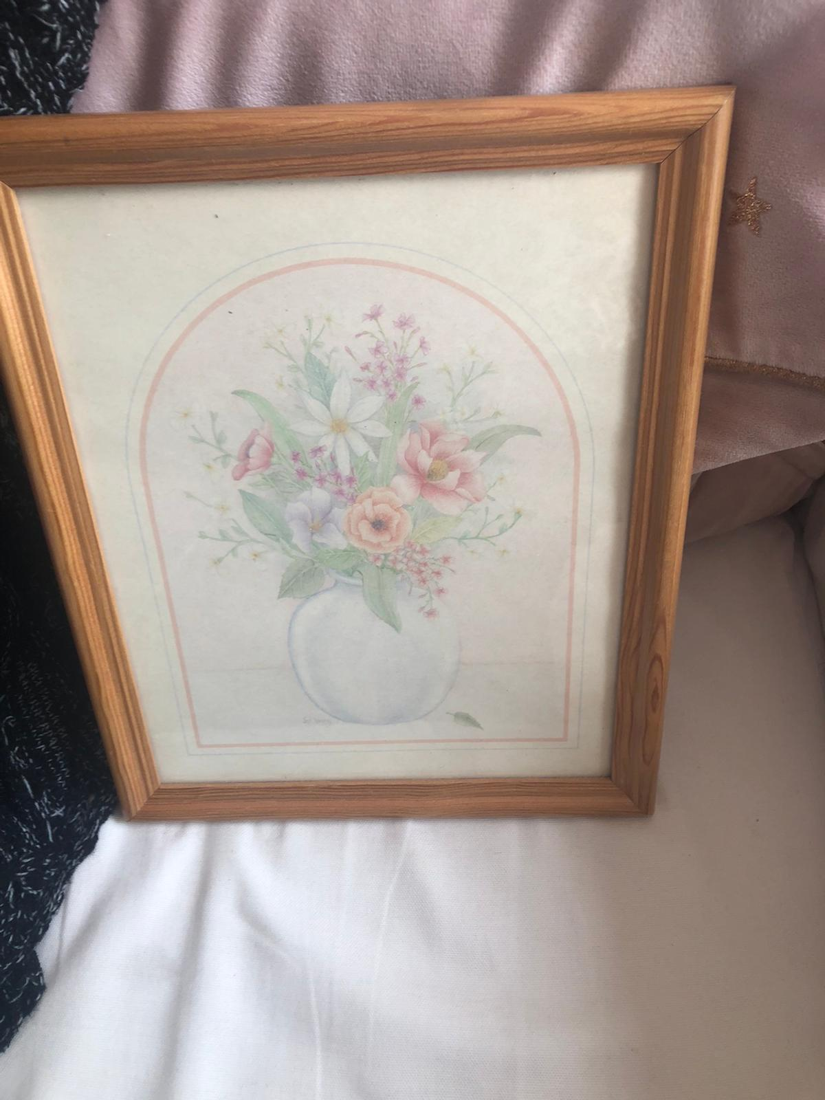 Flowers print in wooden frame (790)