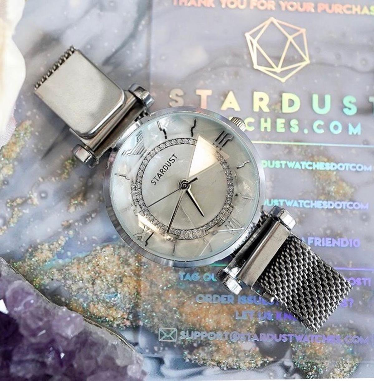 ‼️THE NEW SUMMERDUST IS HERE‼️  Turn headsandgrab complimentswith ourone-of-a-kind Stardust™ watch. Its unique,beautifuldesign makes it great forany occasionand tosuit any outfit. Not only does it look beautiful; it's also built to be lightweight and easy to wear. Comes in a choice of 3 colour dial faces,and 3 and 3 colour bands 😘 Definitely a accessory not to miss‼️ #HURRY!!! Only 12 left in stock 😱🙈  use my code AMBSDRHZKXQC to get 10% off your entire purchase at Stardust.com