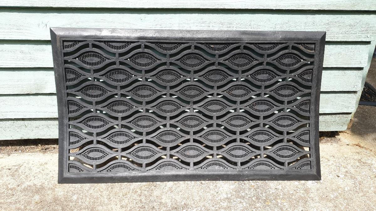 hard rubber door mats £3 each or 2 for £5.....collection only