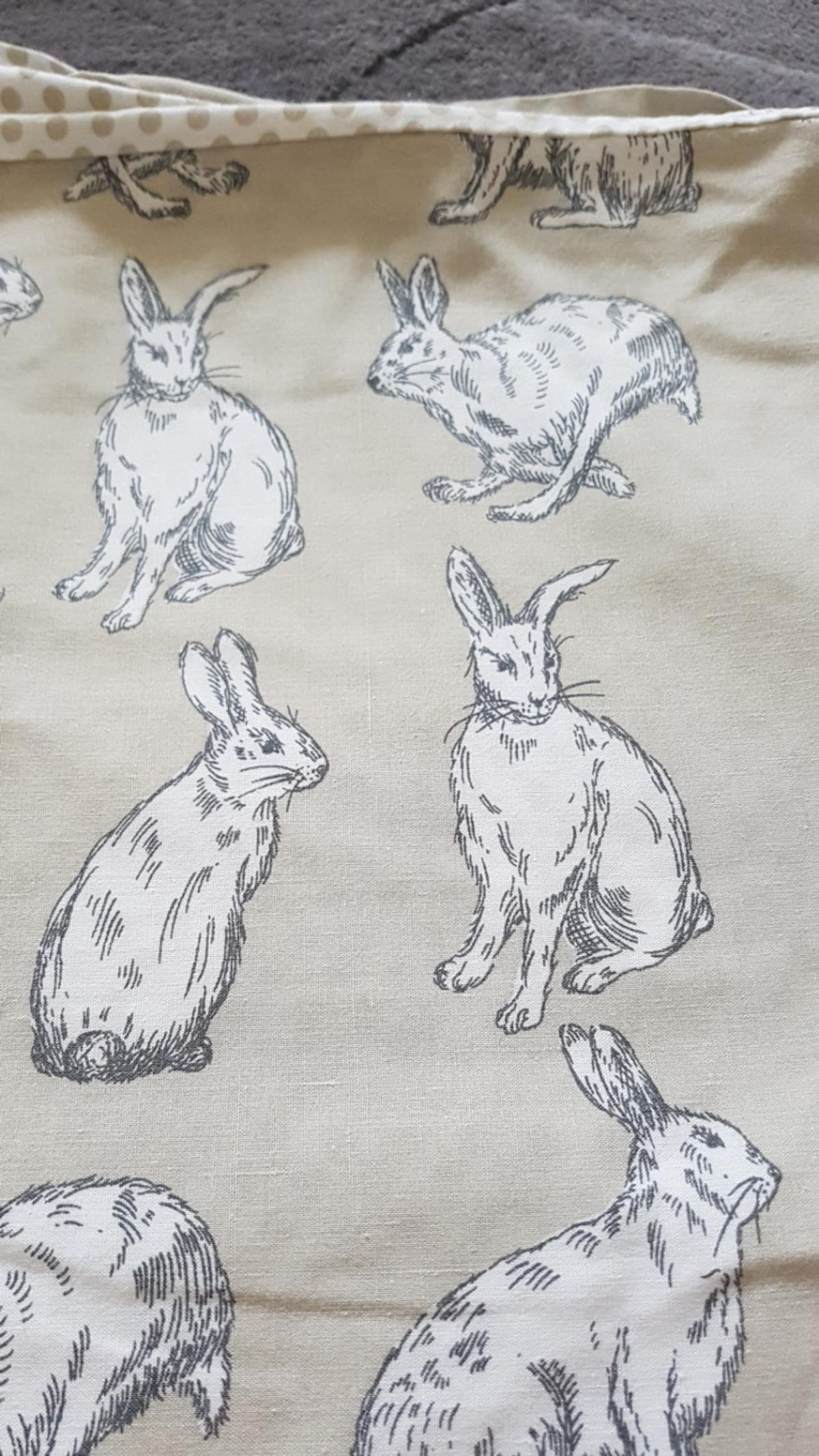 Lovely Hare single duvet and pillowcase  collection only SE9 please see my other items