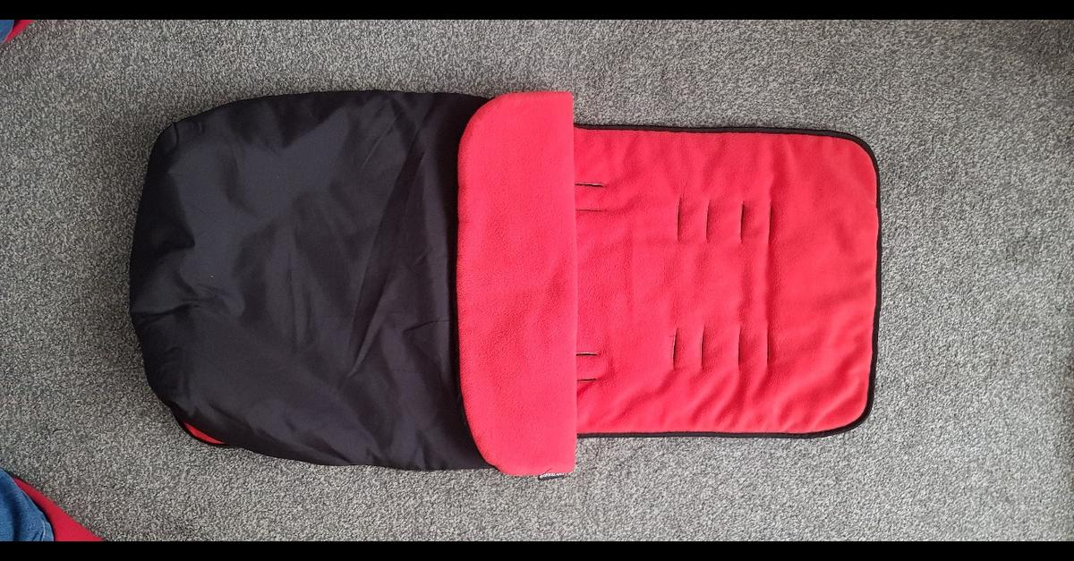 Only used a couple of times. Fits all size prams to keep baby nice and cosy. Easy to fit and big zip to get baby in and out easily. Fully machine washable. Lovely and soft fleece lining.