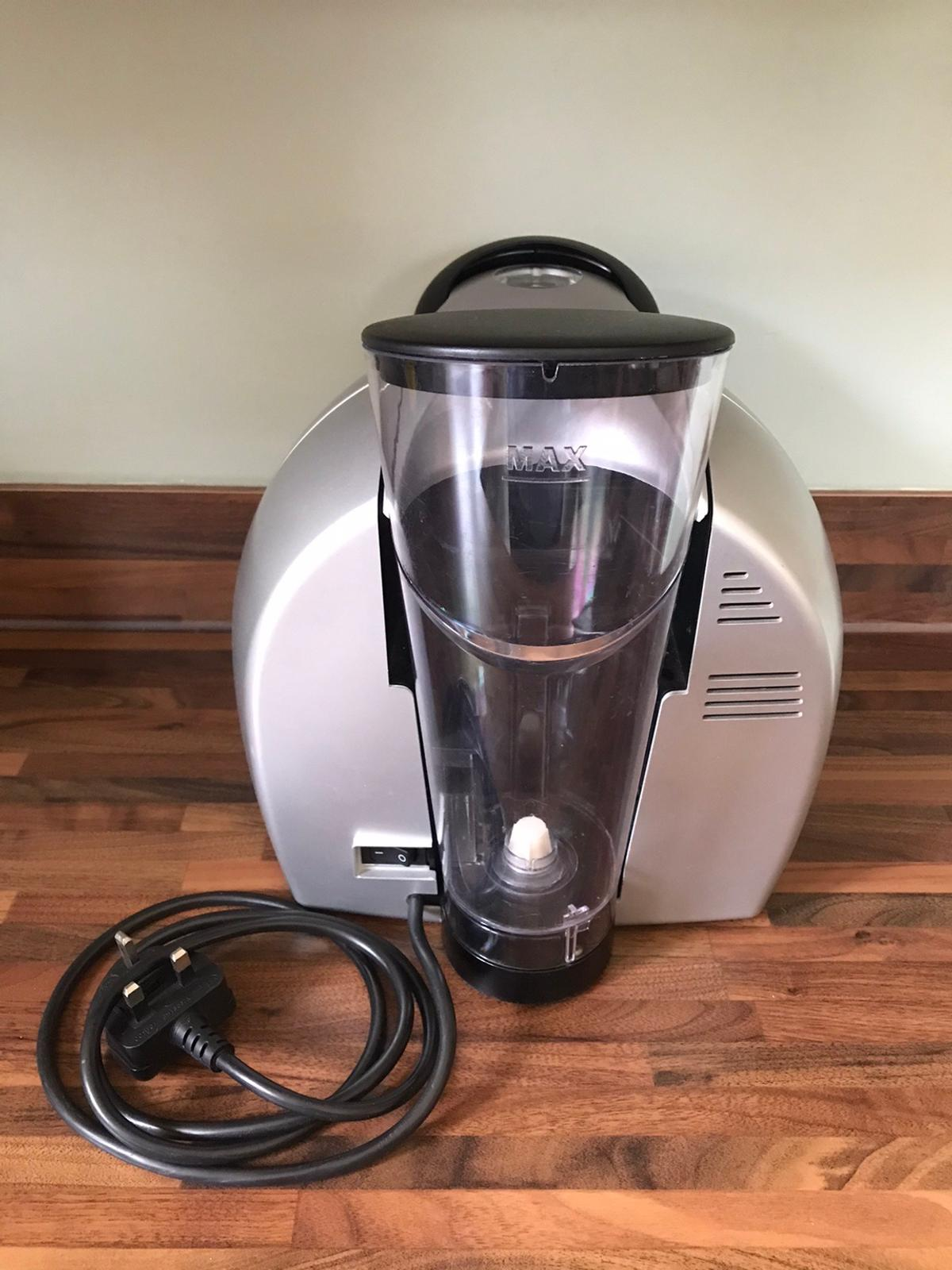 Braun tassimo 3107 coffee maker Hardly used machine fully functional. Getting rid just because we don't have a use for it.  £20, collection from Pitstone.  Adhering to social distancing eg place outside front door for collection.