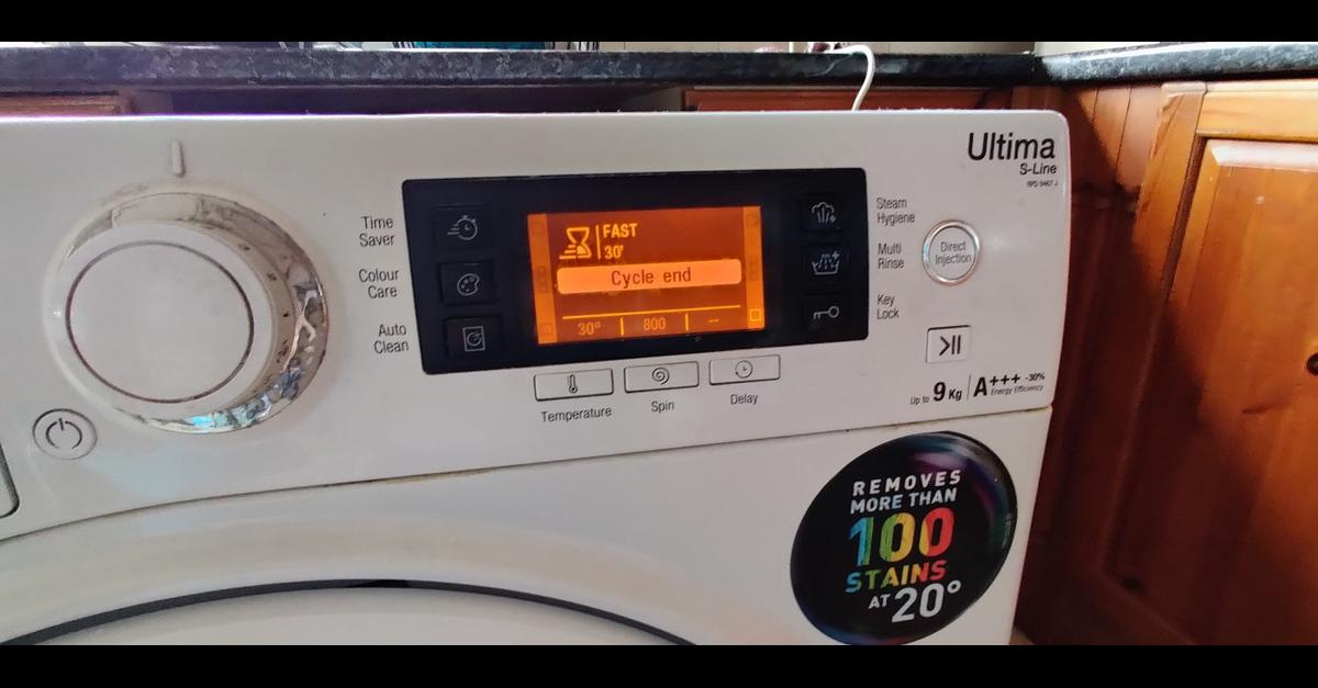 Hotpoint Washing Machine  Hotpoint Washing Machine: Spin speed 1400 rpm Capacity 9 kg Energy class A+++ Dimensions H85 x W59.5 x D60.5 cm Colour White Display type LCD Detergent drawer type Revolving  The bearing is making noise.  Hotpoint Dryer:  Performance Energy efficiency class :A+ Noise level (dBA) :70 Height (cm) :85.0 Width (cm) :59.5 Depth (cm) :61.0 Gross weight (kg) :38.3 Installation type :Free-standing Loading type :Front loader Drying capacity (kg) :9kg  Dryer is excellent