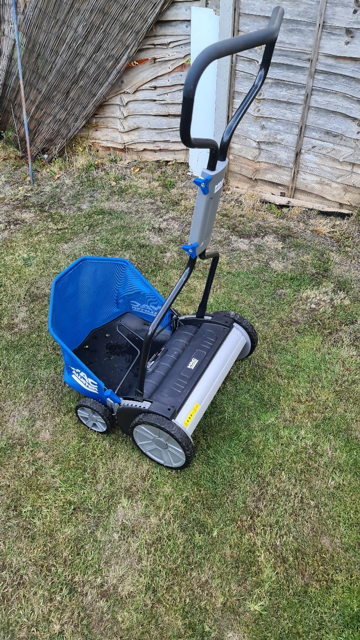 In excellent condition. Suitable and sturdy. Robust grass collector. More ideal for maintenance of longer grass Collection only