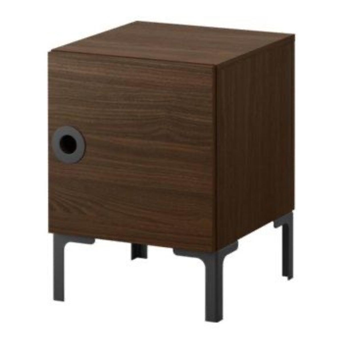 Bedside table used only in the guest room. We're also selling a matching bed and mattress, wardrobe and chest of drawers - please check other ads